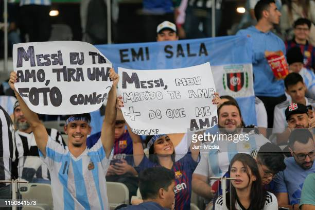 Fans of Argentina cheers prior the Copa America Brazil 2019 group B match between Argentina and Paraguay at Mineirao Stadium on June 19, 2019 in Belo...
