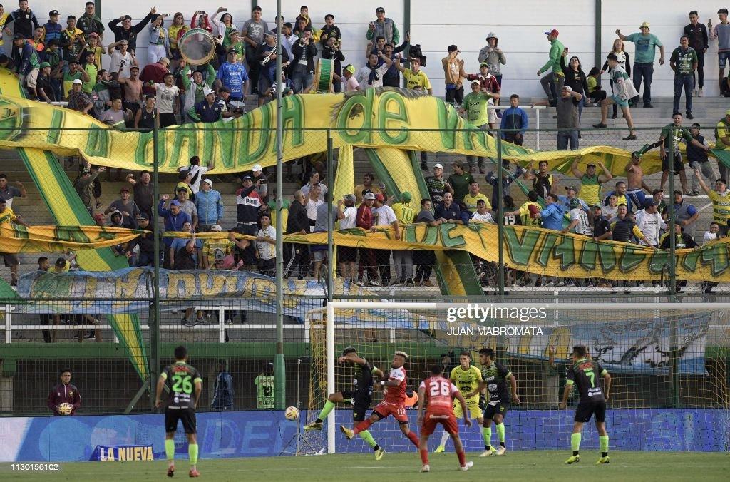 FBL-ARGENTINA-DEFENSA Y JUSTICIA : News Photo