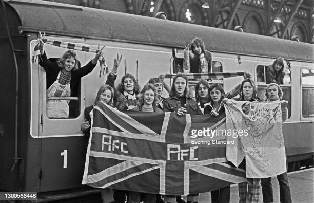 Fans of Arsenal FC at St Pancras Station in London for an FA Cup semi-final match between Arsenal and Sunderland at Hillsborough Stadium in...