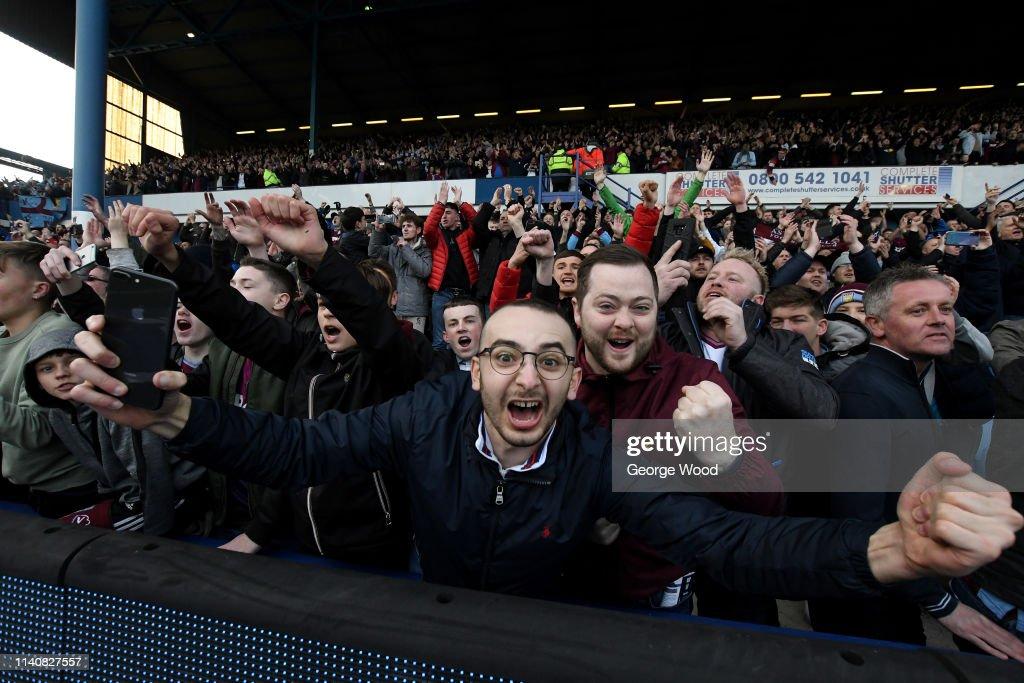 Sheffield Wednesday v Aston Villa - Sky Bet Championship : News Photo