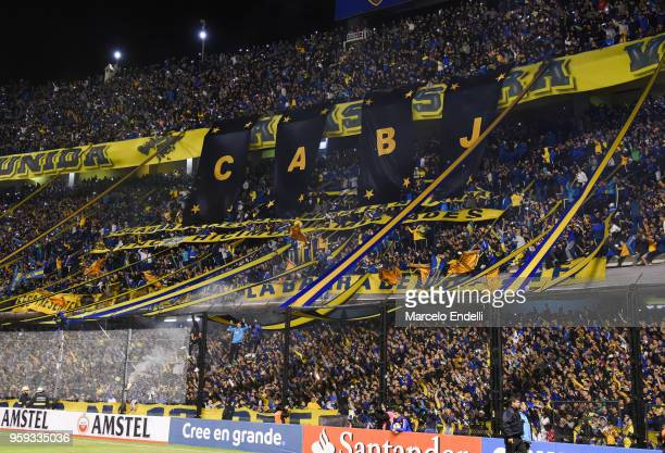 Fans of Boca Juniors cheer for their team before a match between Boca Juniors and Alianza Lima at Alberto J Armando Stadium on May 16 2018 in La Boca...