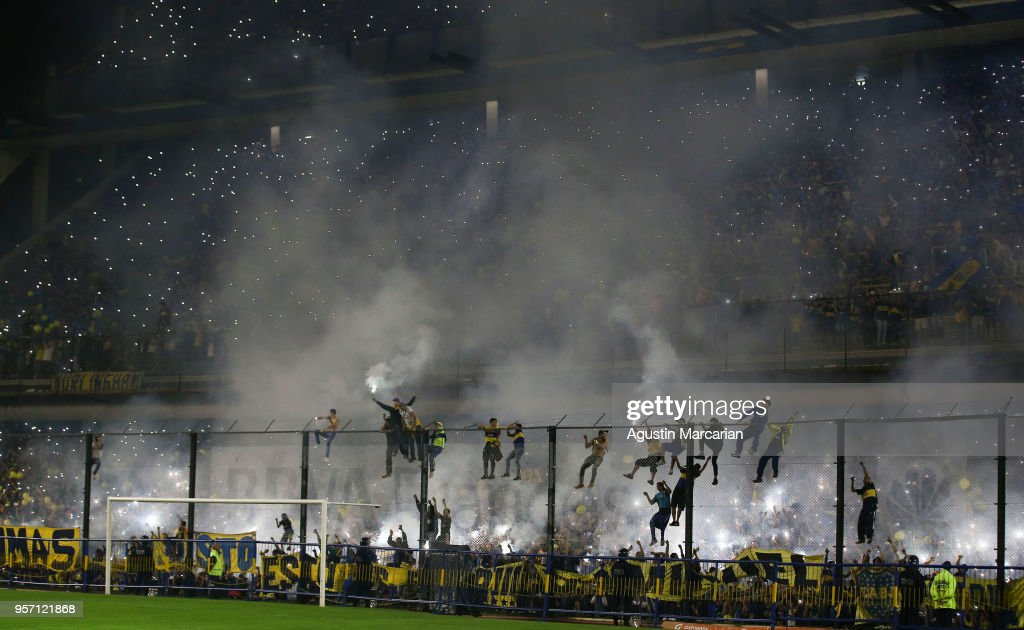 Fans of Boca Juniors cheer for their team during the celebration event after winning the Argentina Superliga 2017/18 at Estadio Alberto J. Armando on May 9, 2018 in La Boca, Argentina. Boca Juniors fans could not attend the game against Gimnasia y Esgrima La Plata as no away fans are allowed in Argentina.