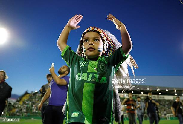 Fans of Chapecoense soccer team pay tribute to the players of Brazilian team Chapecoense Real in Chapeco, Brazil, November 30, 2016. The plane...