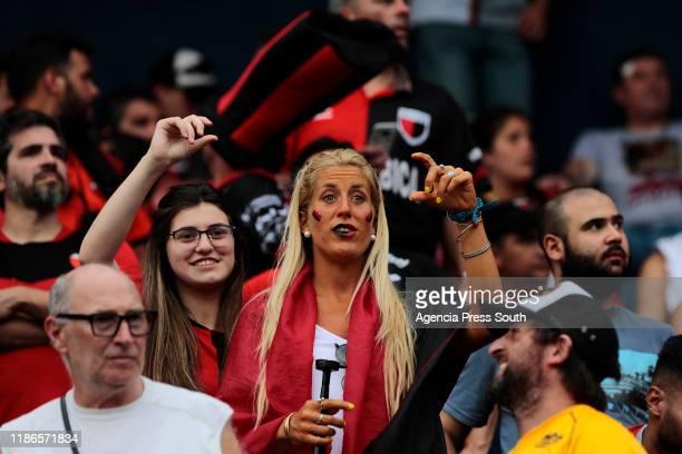 Fans of Colon cheer their team prior to the final of Copa CONMEBOL Sudamericana 2019 between Colon and Independiente del Valle at Estadio General...