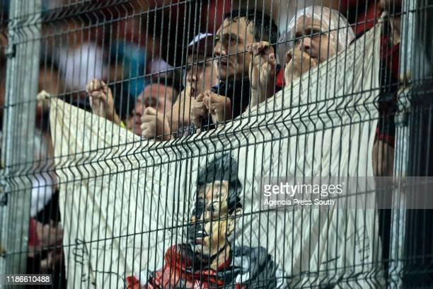 Fans of Colon react during the final of Copa CONMEBOL Sudamericana 2019 between Colon and Independiente del Valle at Estadio General Pablo Rojas 'La...
