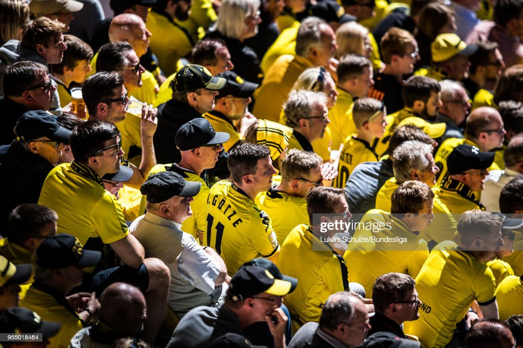 Fans of Dortmund watch the match during the Bundesliga match between Borussia Dortmund and 1. FSV Mainz 05 at Signal Iduna Park on May 5, 2018 in Dortmund, Germany.