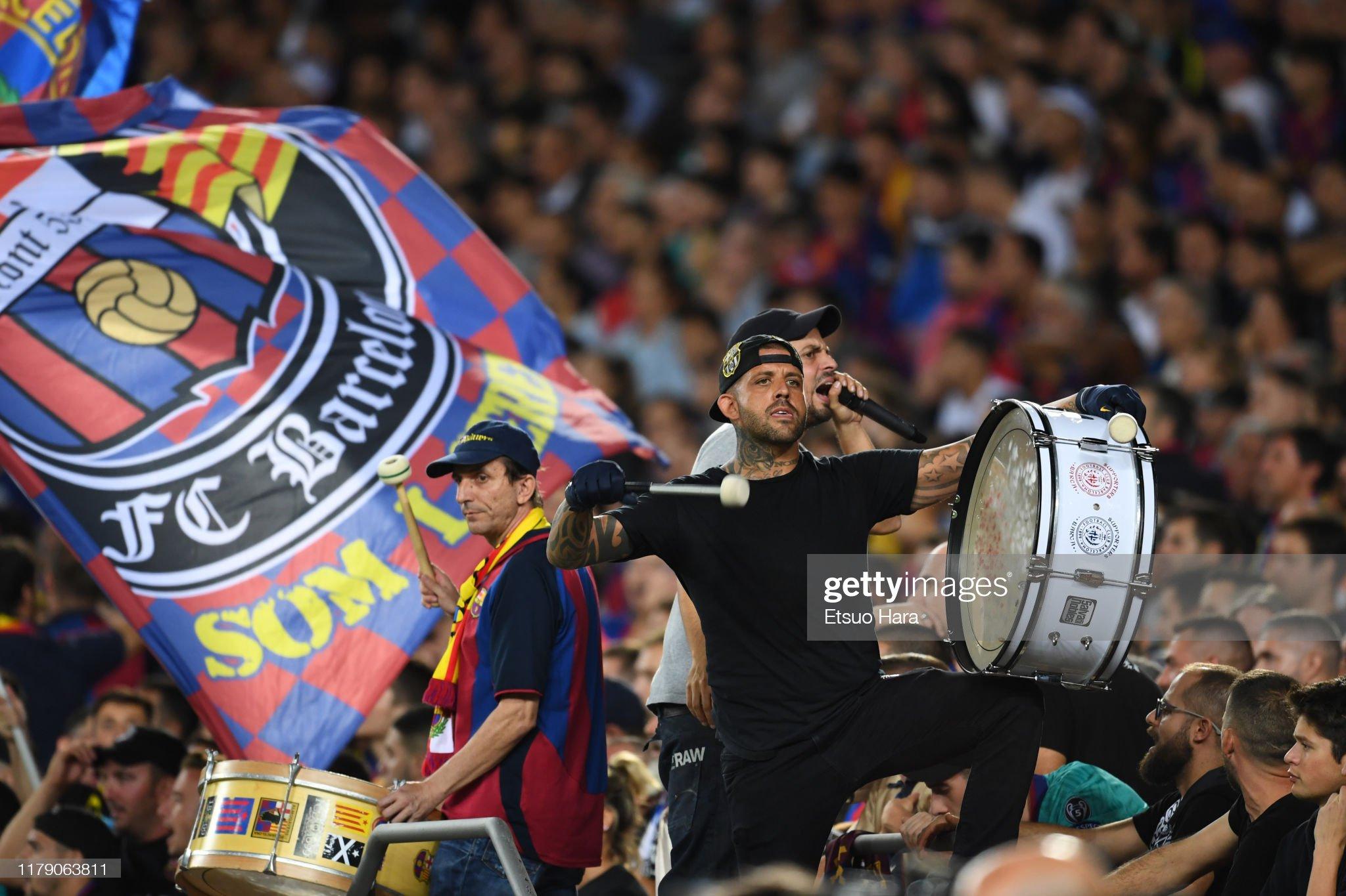 صور مباراة : برشلونة - إنتر 2-1 ( 02-10-2019 )  Fans-of-fc-barcelona-cheer-during-the-uefa-champions-league-group-f-picture-id1179063811?s=2048x2048