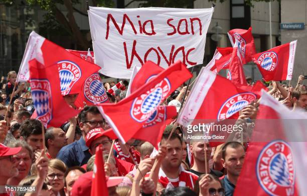 Fans of FC Bayern Muenchen hold up a abnner reading 'Mia san Kovac' waiting for the FC Bayern Muenchen team to celebrate the Bundesliga title and the...