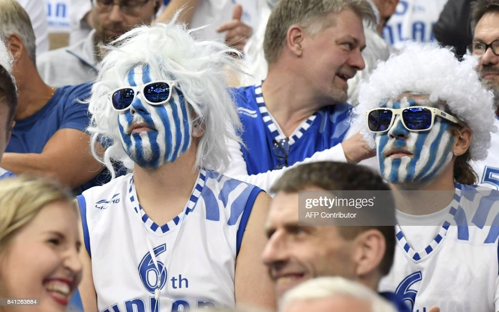 Fans of Finland follow the basketball European Championships Eurobasket 2017 qualification round Group A match France vs Finland in Helsinki, Finland on August 31, 2017. / AFP PHOTO / Lehtikuva / Jussi Nukari / Finland OUT