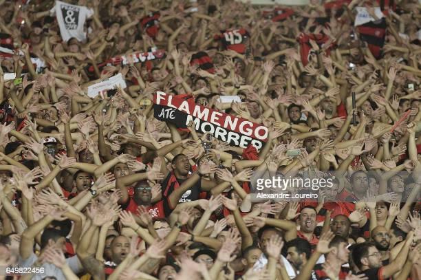 Fans of Flamengo celebrates during the match between Flamengo and San Lorenzo as part of Copa Bridgestone Libertadores 2017 at Maracana stadium on...