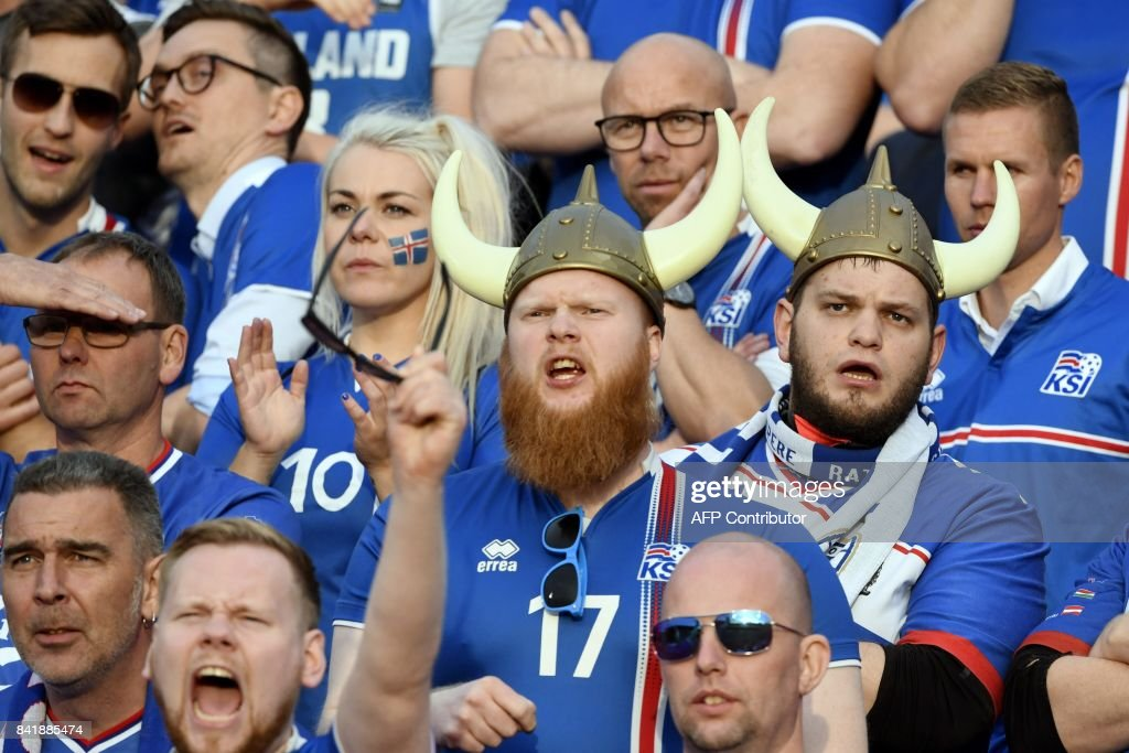 Fans of Iceland react during the FIFA World Cup 2018 qualification football match between Finland and Iceland in Tampere on September 2, 2017. / AFP PHOTO / Lehtikuva / Jussi Nukari