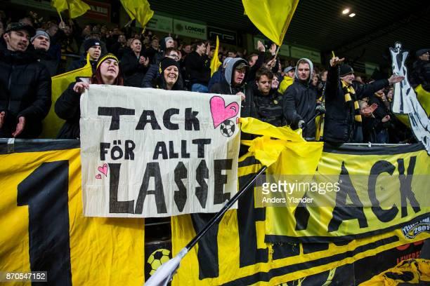 Fans of IF Elfsborg thanks Lasse Nilsson of IF Elfsborg after the Allsvenskan match between IF Elfsborg and IFK Norrkoping at Boras Arena on November...