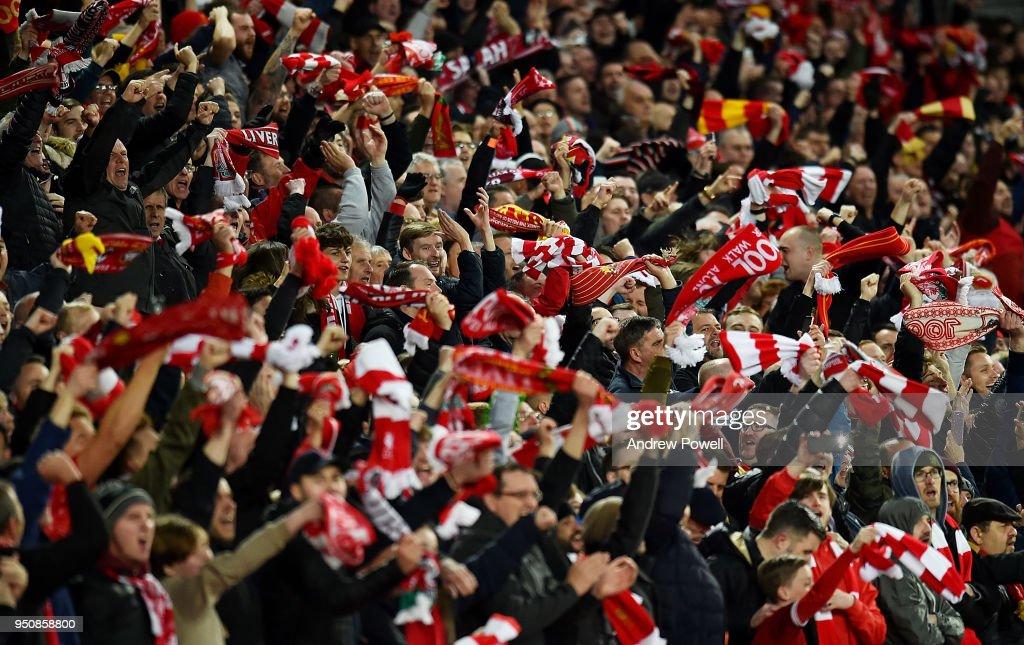 Liverpool v A.S. Roma - UEFA Champions League Semi Final Leg One : News Photo