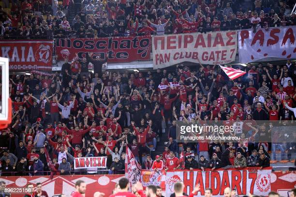 Fans of Olympiacos react during the 2017/2018 Turkish Airlines EuroLeague Regular Season Round 13 game between Olympiacos Piraeus and CSKA Moscow at...