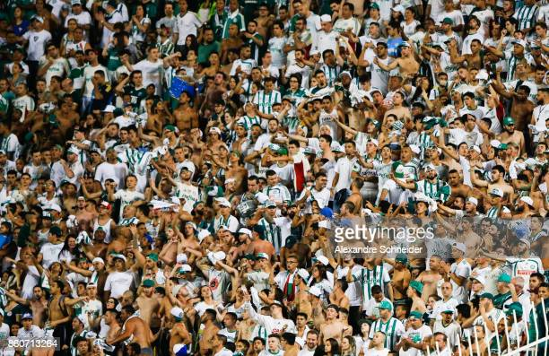 Fans of Palmeiras cheer during the match between Palmeiras v Bahia for the Brasileirao Series A 2017 at Pacaembu Stadium on October 12 2017 in Sao...