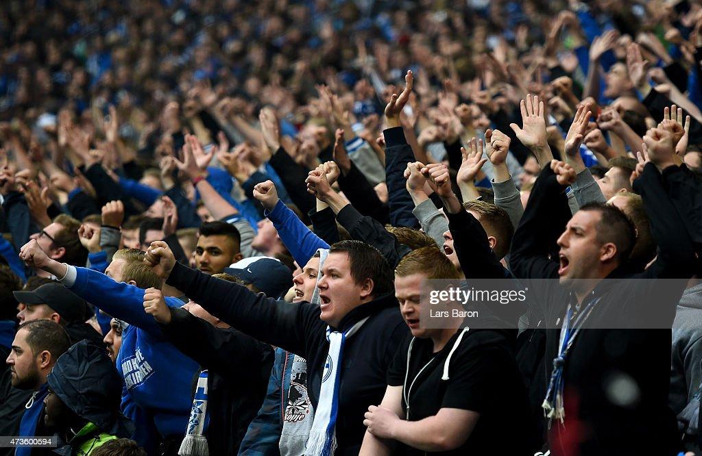 FC Schalke 04 v SC Paderborn 07 - Bundesliga : News Photo