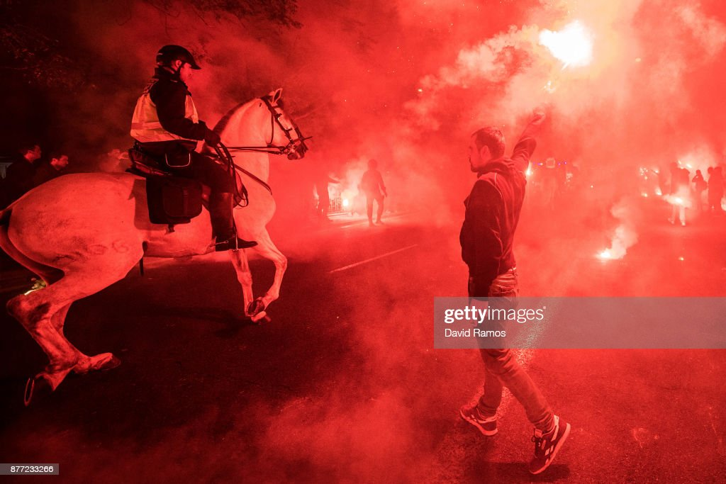 Fans of Sevilla FC make their way to the stadium prior to the UEFA Champions League group E match between Sevilla FC and Liverpool FC at Estadio Ramon Sanchez Pizjuan on November 21, 2017 in Seville, Spain.