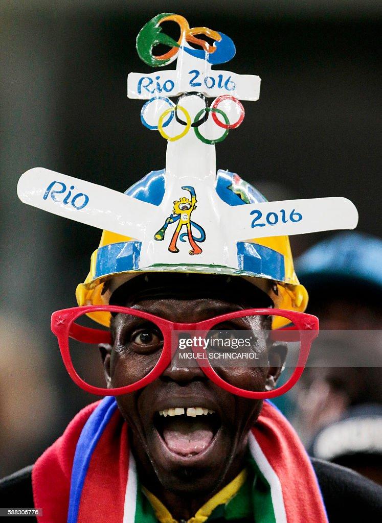 TOPSHOT-FBL-OLY-2016-RIO-MEN-RSA-IRQ : News Photo