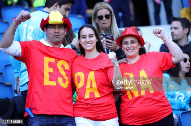 Fans of Spain show their support prior to the 2019 FIFA Women's World Cup France group B match between Spain and South Africa at Stade Oceane on June...