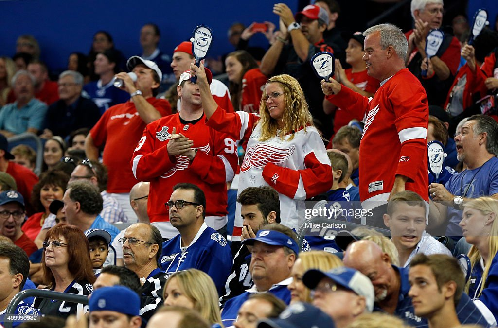 Detroit Red Wings v Tampa Bay Lightning - Game One : News Photo