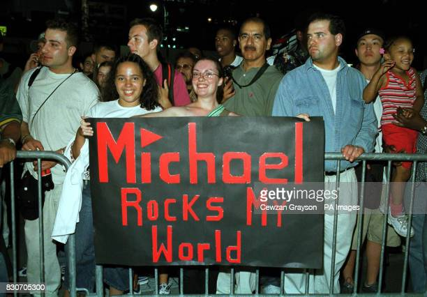 Fans out side Madison Square Garden in New York City They were waiting for a glimpse of Michael Jackson where he was performing