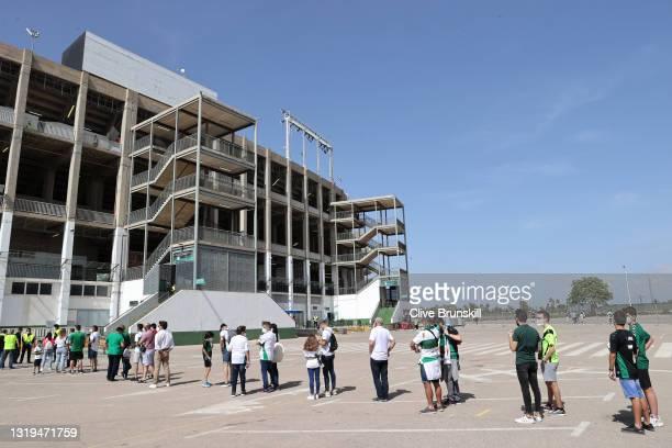 Fans queue to enter the stadium prior to the La Liga Santander match between Elche CF and Athletic Club at Estadio Martinez Valero on May 22, 2021 in...
