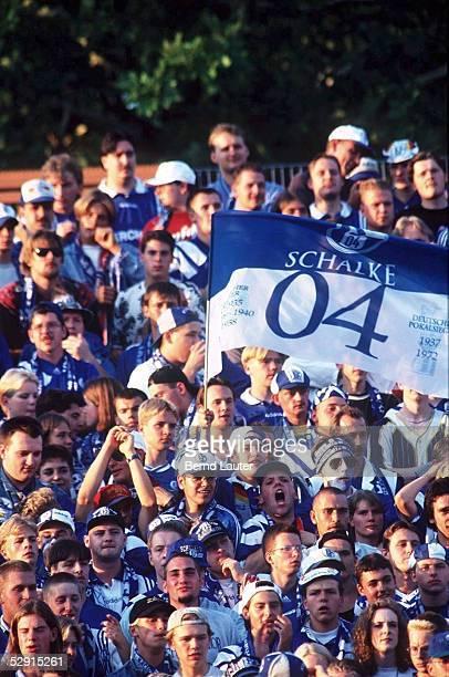 FUSSBALL SCHALKE 04 200896 Fans Schalke