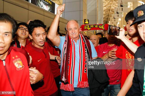 Fans see Luiz Felipe Scolari off at airport on November 15 2017 in Guangzhou Guangdong Province of China Luiz Felipe Scolari quitted Guangzhou...