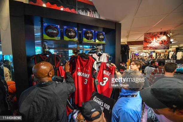 official photos ff4d6 12a34 60 Top Nba Store Miami Pictures, Photos and Images - Getty ...