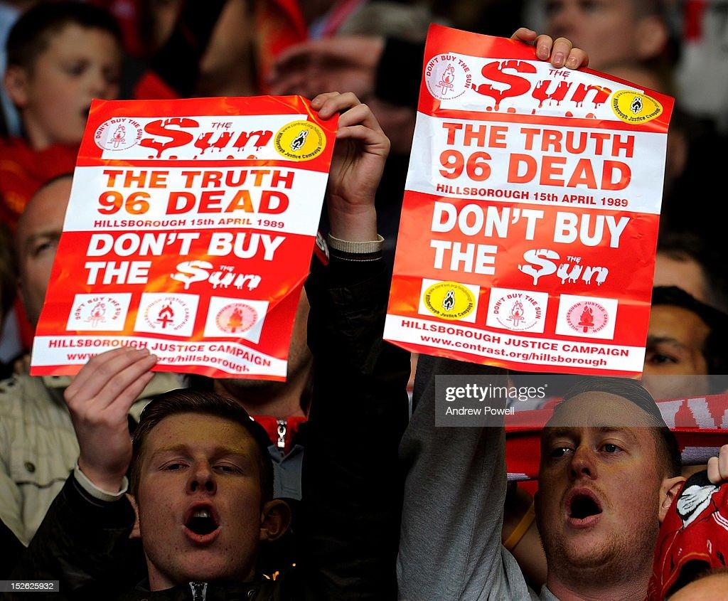 Liverpool v Manchester United - Premier League : News Photo
