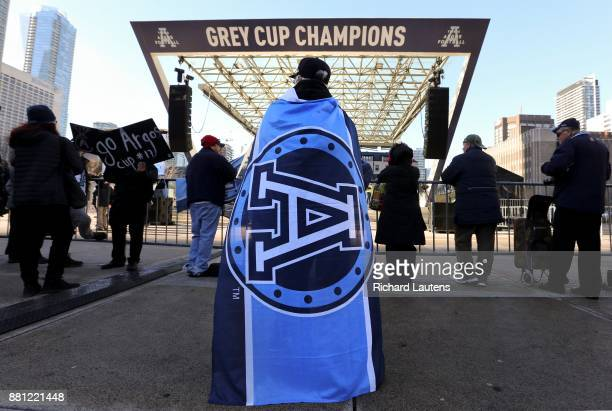 TORONTO ON NOVEMBER 28 Fans started to gather early for the celebration The Toronto Argonauts football club celebrated their Grey Cup victory over...