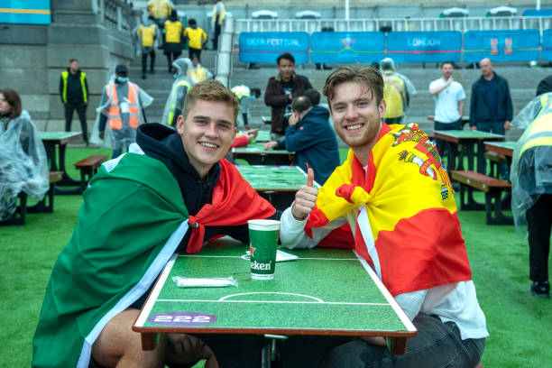 GBR: Fans in London watch the UEFA Euro 2020 match between Italy and Spain