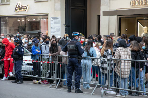 FRA: Fans Are Waiting In Front Of Justin Bieber's Hotel In Paris