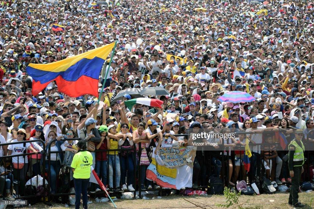 COL: Venezuela Aid Live