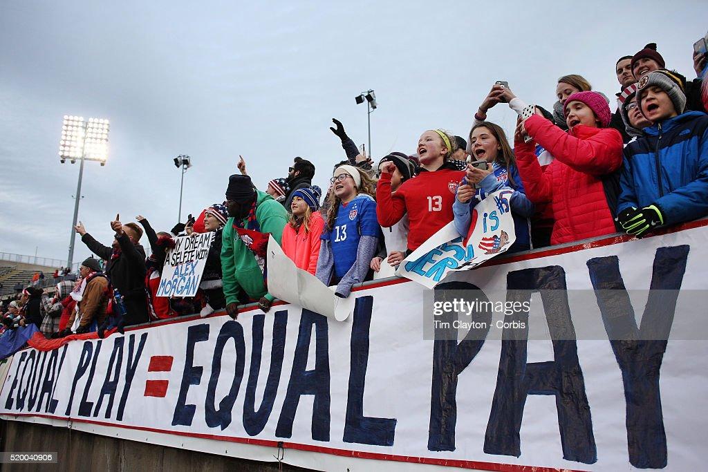 USA v Colombia - Women's International Friendly : News Photo