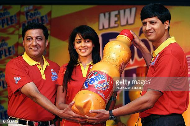 Fanta Brand Ambassador and Actress Genelia D'Souza VicePresident Marketing CocaCola India Venkatesh Kini and Vice President Hindustan CocaCola...