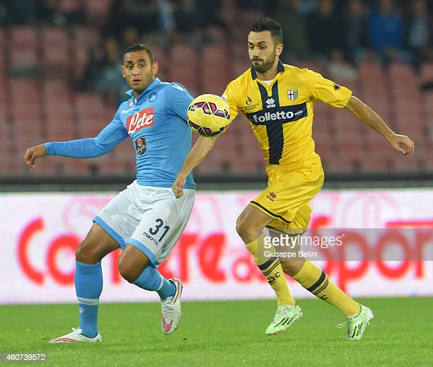 Faouzi Ghoulan of Napoli and Raffaele Palladino of Parma in action during the Serie A match betweeen SSC Napoli and FC Parma at Stadio San Paolo on...