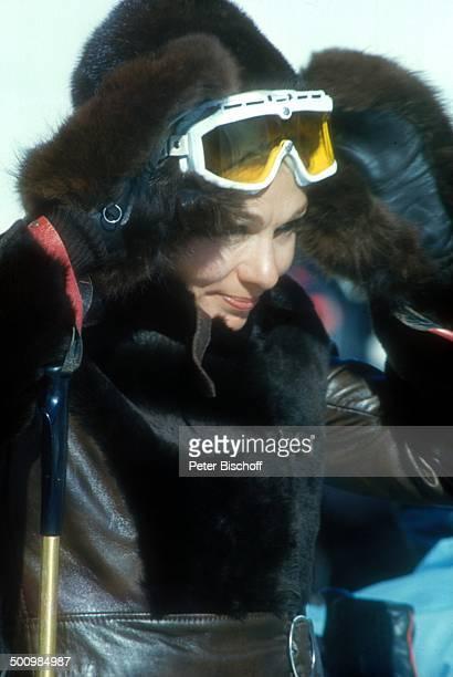 Farah Diba Pahlavi Aspen/Colorado/USA/Nordamerika SkiAnzug SkiBrille Mütze SkiStock Sport SportKleidung Promi Promis Prominenter Prominente NB Foto P...