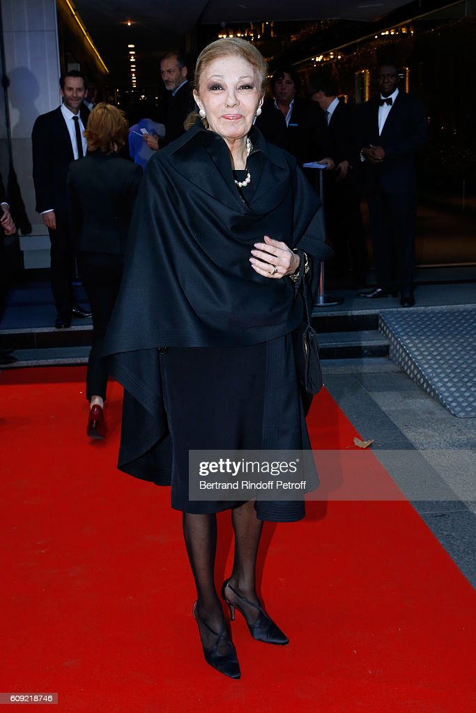 "'Fondation Claude Pompidou' : Charity Party & ""Cezanne et Moi"" Screening At Georges V In Paris : Nachrichtenfoto"