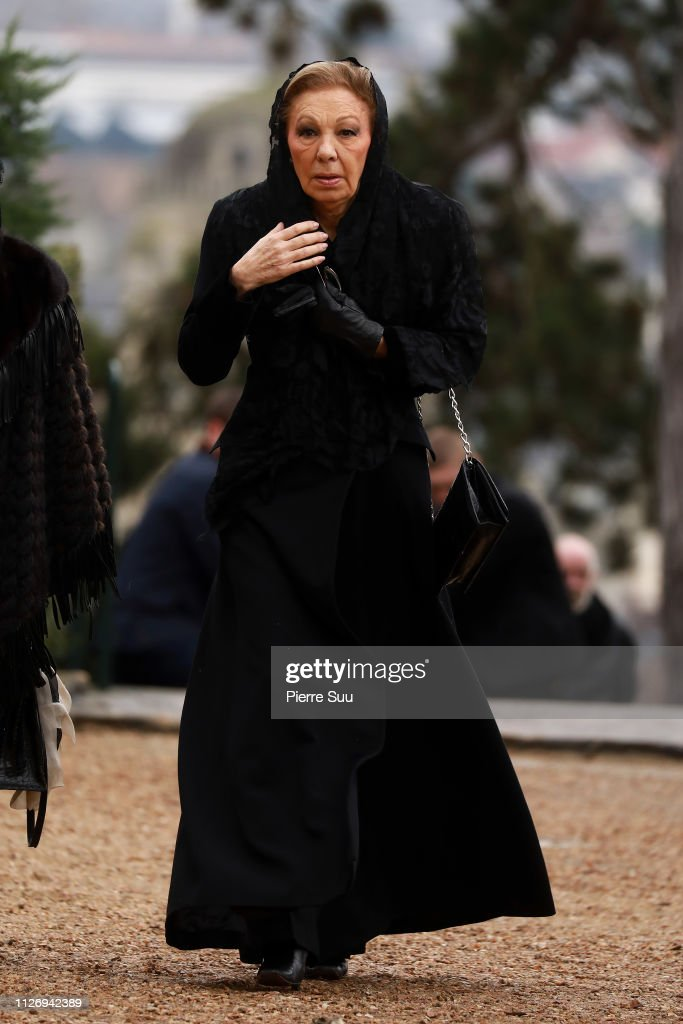 https://media.gettyimages.com/photos/farah-pahlavi-attends-the-funerals-of-prince-henri-of-orleans-count-picture-id1126942389