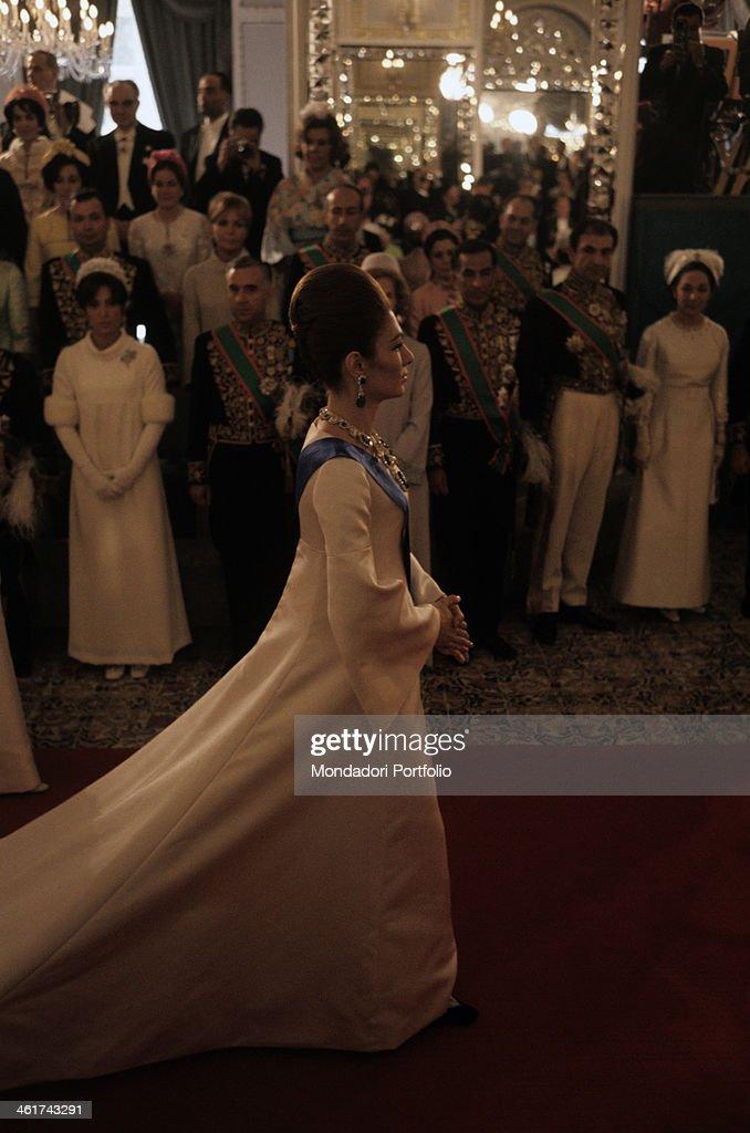 Farah Pahlavi in her coronation day : News Photo