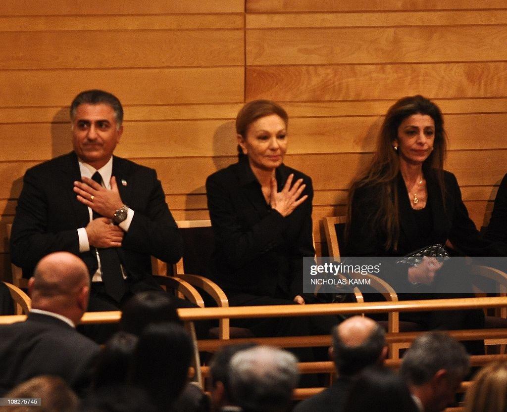 Farah Pahlavi (C), widow of the last sha : News Photo