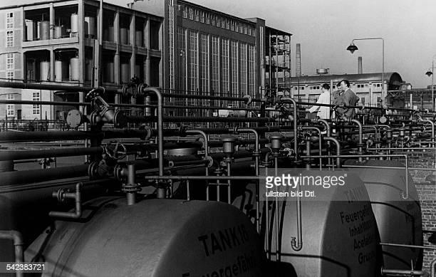 Farbwerke Hoechst, Loesungsmittelbetrieb und Tanklager1954