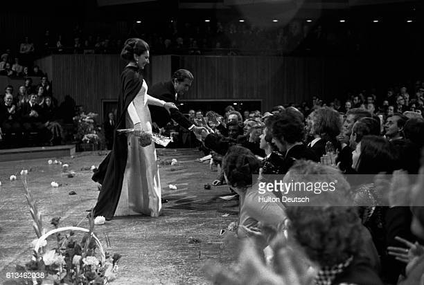 A farewell recital at the Royal Festival Hall by Maria Callas with Guiseppe Di Stephano The two stand at the front of the stage to receive the...