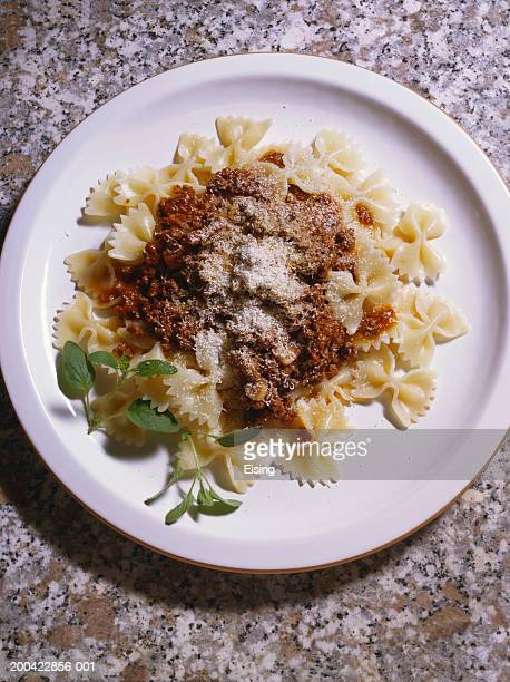 Farfalle with meat sauce