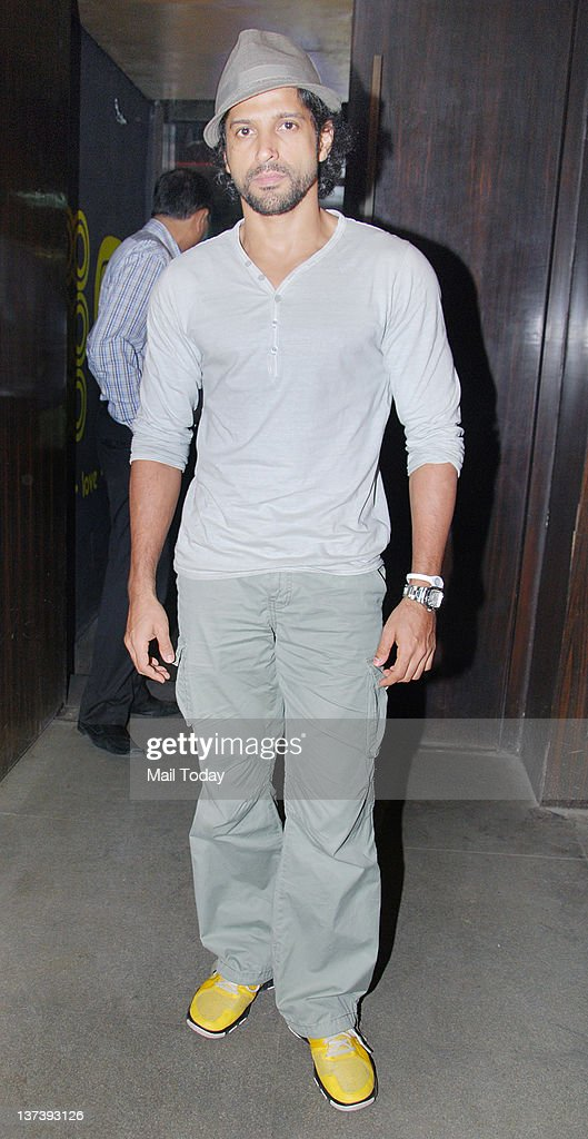 farhan akhtar during saurabh s book launch at bonobo in mumbai on