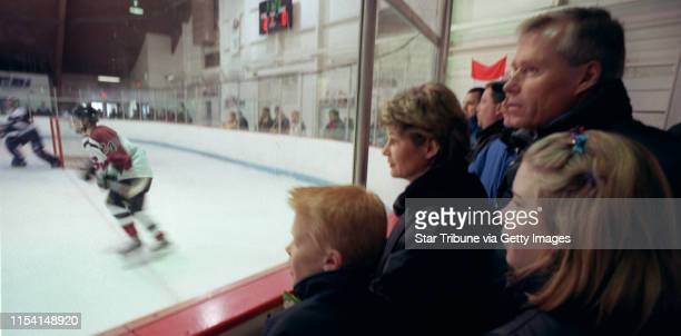 Faribault Mn 2/4/01 Andy Murray Los Angeles Kings coach at home in FaribaultLos Angeles Kings hockey coach Andy Murray along with his wife Ruth and...