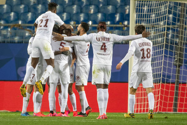 MHSC -EQUIPE DE MONTPELLIER -LIGUE1- 2019-2020 - Page 5 Farid-boulaya-of-metz-is-congratulated-by-team-mates-after-scoring-a-picture-id1204291310?k=6&m=1204291310&s=612x612&w=0&h=y2XJhHm172isiJKhRKRFla2kEWdBIecsmmXSgYdmn0c=