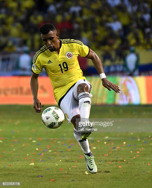 Farid Diaz of Colombia controls the ball during a match between Colombia and Chile as part of FIFA 2018 World Cup Qualifiers at Metropolitano Roberto...