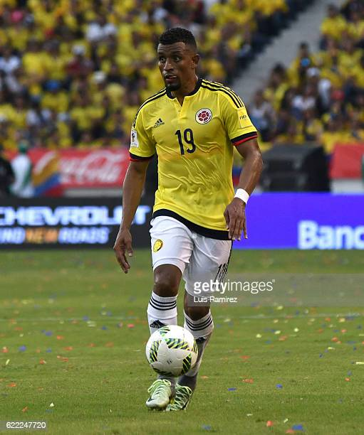 Farid Diaz of Colombia drives the ball during a match between Colombia and Chile as part of FIFA 2018 World Cup Qualifiers at Metropolitano Roberto...